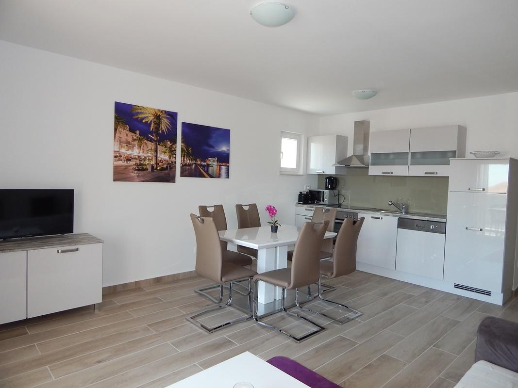 Two Bedroom Apartment Ab Villa Podstrana Croatia